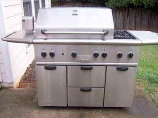 BBQ cleaning in Walnut Creek by BBQ Repair Doctor.